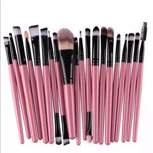 20 pcs makeup 💄 brushes